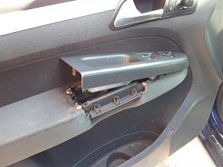 Как снять кнопку центрального замка на водительской двери?-20120406_114958.jpg