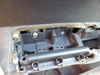 Как снять кнопку центрального замка на водительской двери?-20120406_115042.jpg