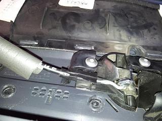 Как снять кнопку центрального замка на водительской двери?-20120406_115405.jpg