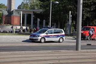 police touran-img_3.jpg