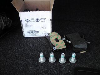Запчасти каких марок лежат в оригинальных коробках VW-dsc00205.jpg