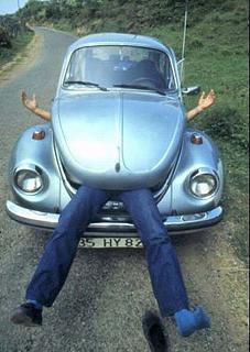 Пикчи на автомобильную тему-car-funny-vw-beetle-18.jpg