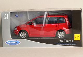 Масштабные модели автомобилей.-vw_touran_red_24wel.jpg