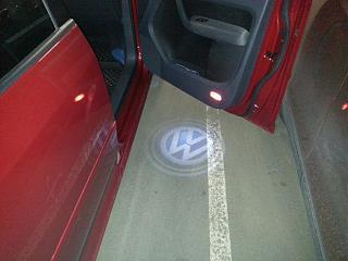 Установка фонарей подсветки в передние двери VW Touran-20130612_165745.jpg