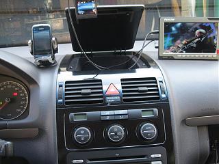 место в машине для телефона-img_4225.jpg