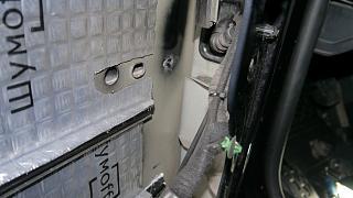 Установка музыки, виброизоляция дверей, установка усилителей и сабвуфера-p1060469-2.jpg
