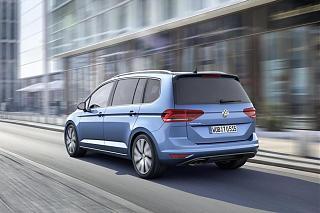 Volkswagen тестирует новый Touran-uploads_2015_02_20150224_2644172961730763969.jpg
