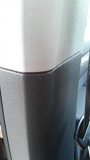 Течет вода по боковой стойке в салон-2.jpg