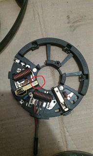Ремонт вентилятора кондиционера на VW Touran-schetka.jpg
